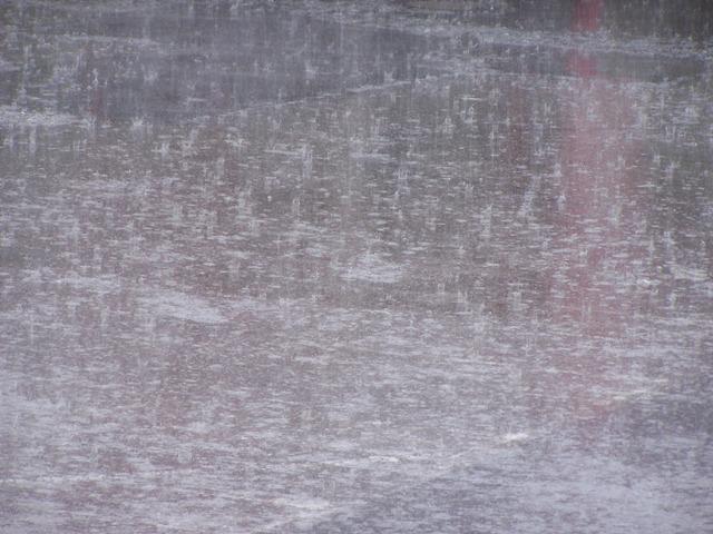 Tiefsinnge Sprüche.  Ach was, Regen gibts überall... dann warten wir halt auf Regen.